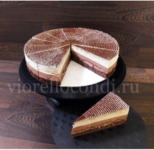 торт замороженный порционный Бостон шик  три шоколада  вес 1.75кг. порций 14